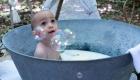 photo bain de extérieur avec bulle de savon