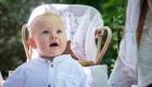 photo couleur garçon 6 mois avec une chemise blanche décor bohème à Aix en Provence